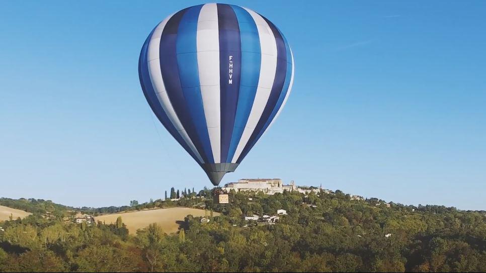 Loisirs Gers, montgolfière au-dessus de Lectoure et de la Lomagne
