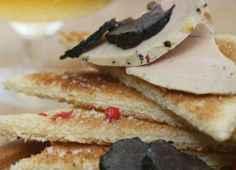 Tous au restaurant dans le Sud-Ouest, Toast foie gras, truffes et Armagnac
