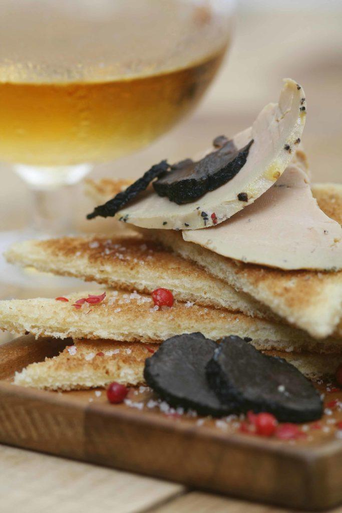 Toast foie gras, truffes et Armagnac