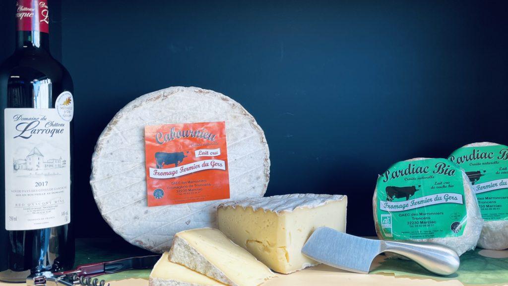 Cabournieu fromage fermier de vache au lait cru vendu dans la fromagerie des Fleurons à Condom